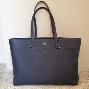 Tory Burch Bags - Tory Burch Robinson Large Tote 2018 Style